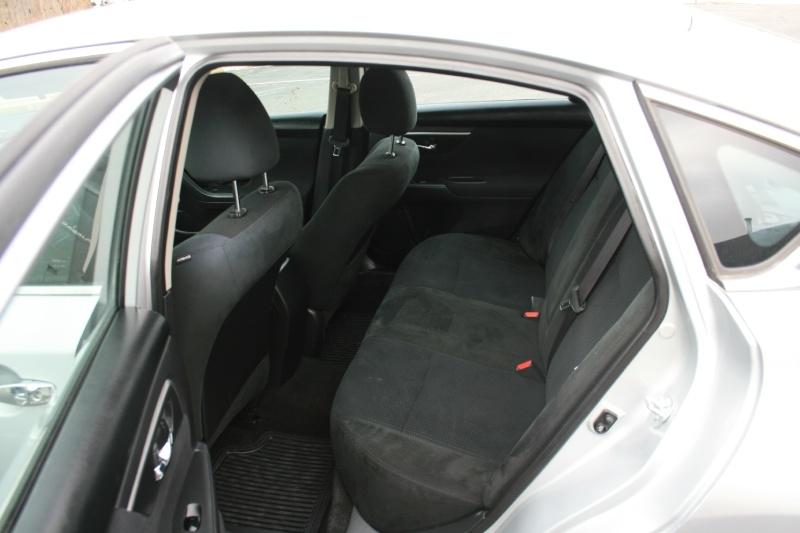 Nissan Altima 2015 price $6,950 Cash