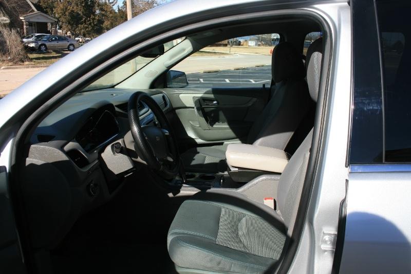 Chevrolet Traverse 2015 price $9,450 Cash