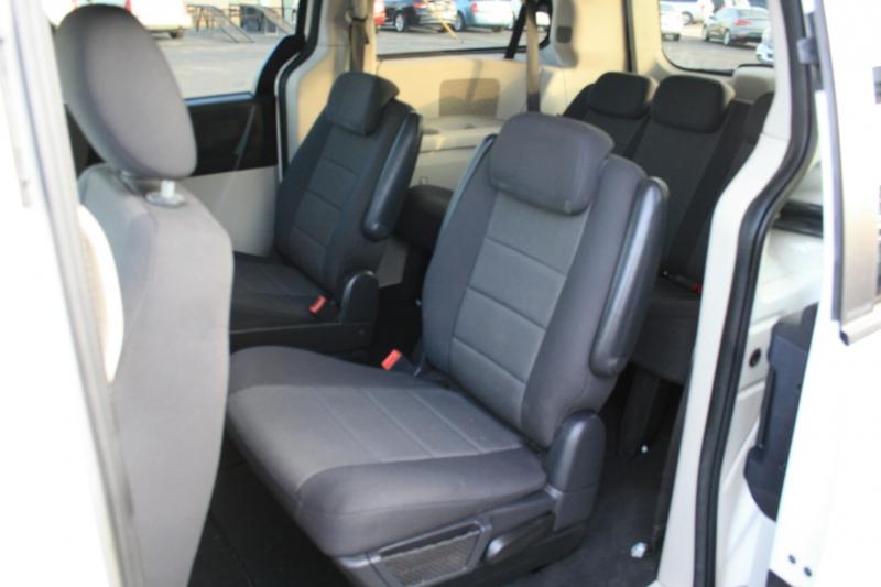 Dodge Grand Caravan 2008 price $3,950 Cash
