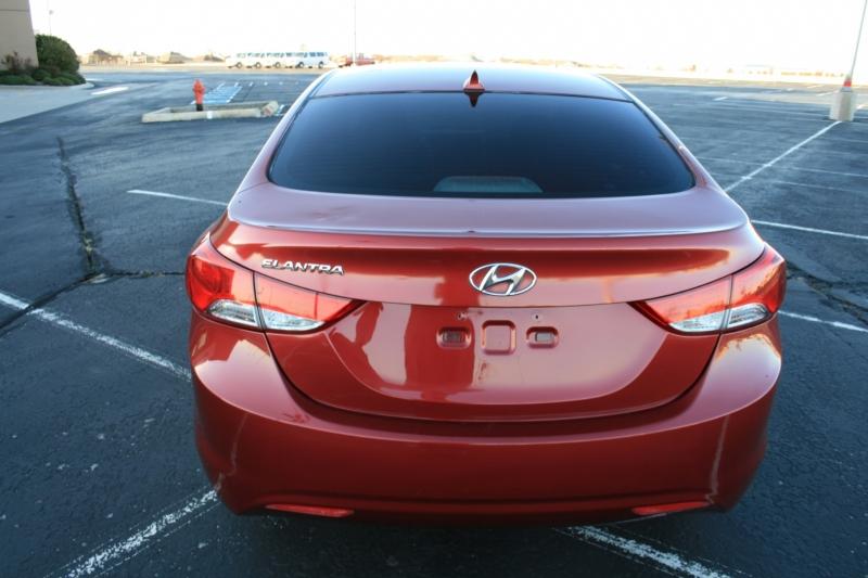 Hyundai Elantra 2013 price $5,250 Cash