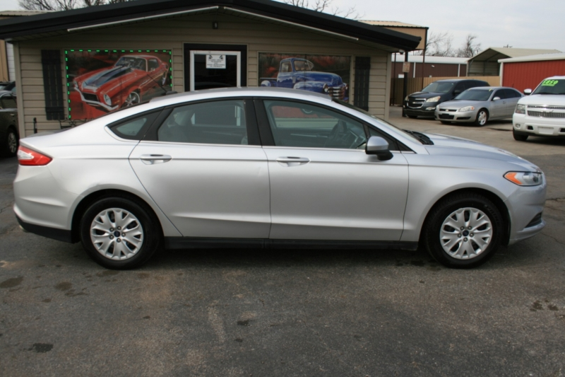 Ford Fusion 2013 price $5,995 Cash