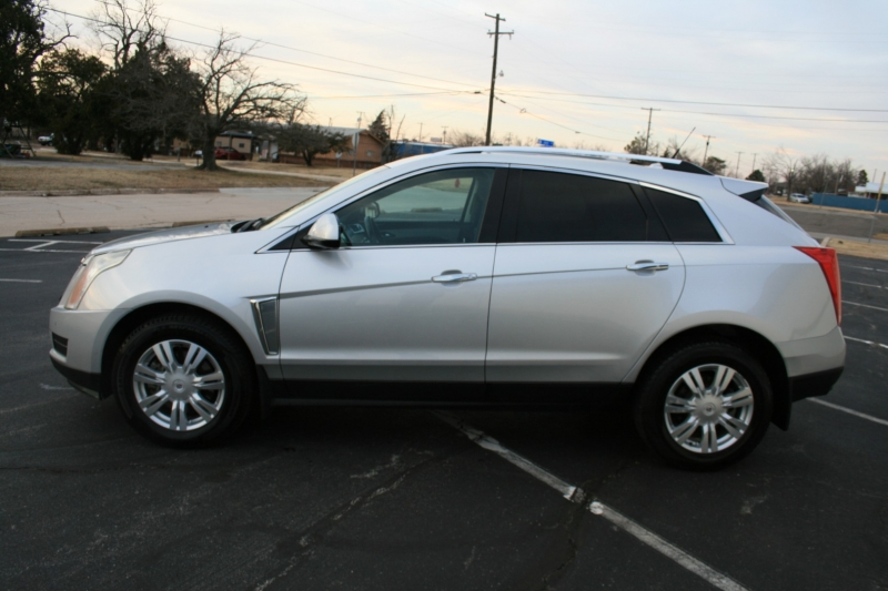 Cadillac SRX 2013 price $9,995 Cash