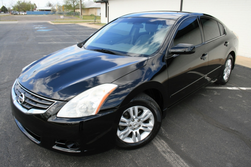 Nissan Altima 2010 price $5,450 Cash