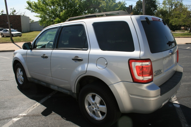 Ford Escape 2009 price $4,995 Cash