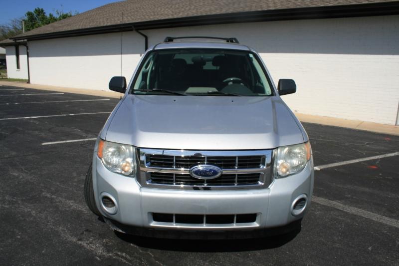 Ford Escape 2009 price $4,995 Cash