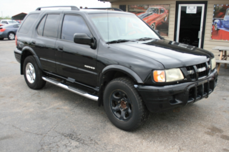 Isuzu Rodeo 2003 price $3,995 Cash