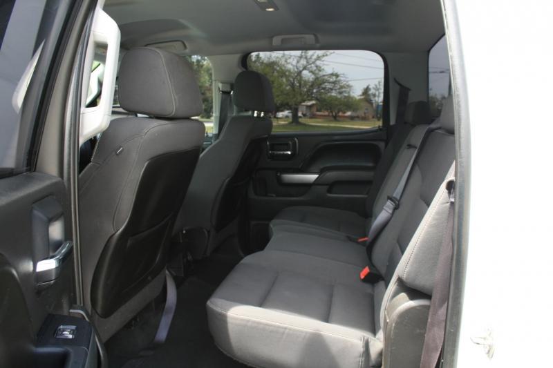 Chevrolet Silverado 2500HD Built After Aug 14 2015 price $28,950 Cash