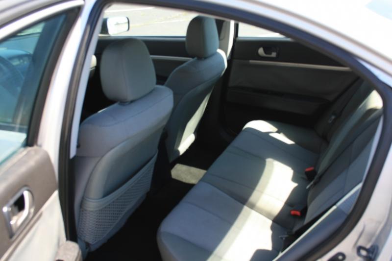 Mitsubishi Galant 2010 price $4,995 Cash