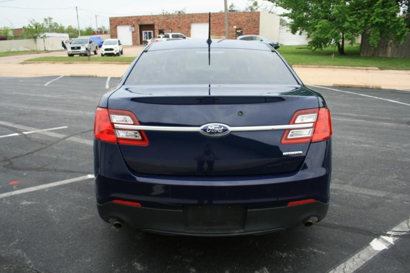 Ford Sedan Police Interceptor 2015 price $8,995 Cash