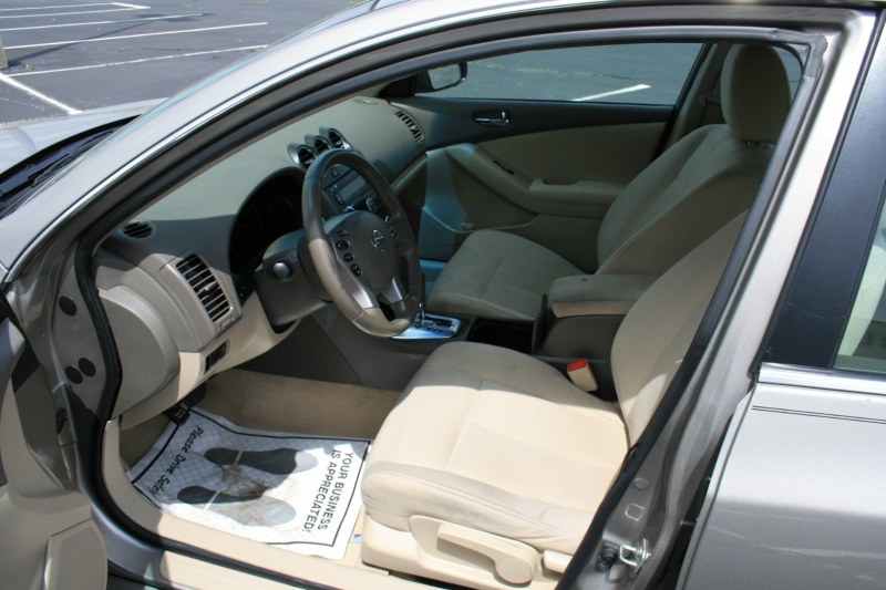 Nissan Altima 2012 price $6,850 Cash