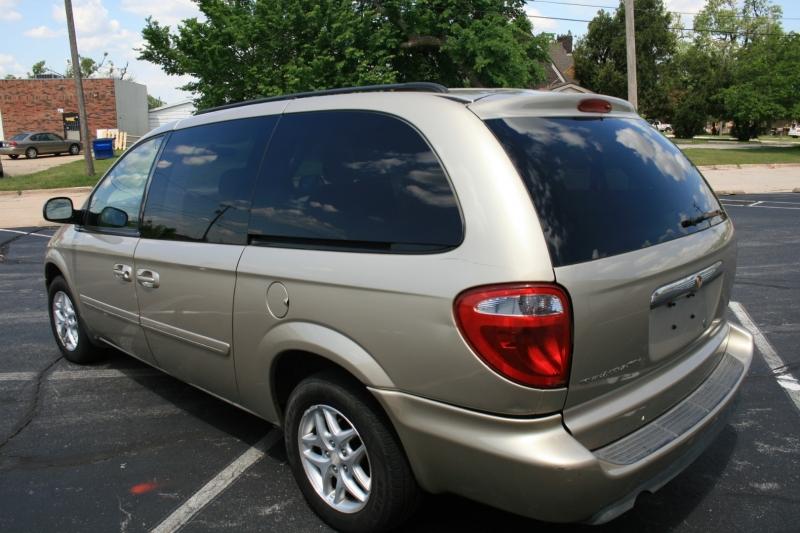 Chrysler Town & Country LWB 2007 price $4,250 Cash