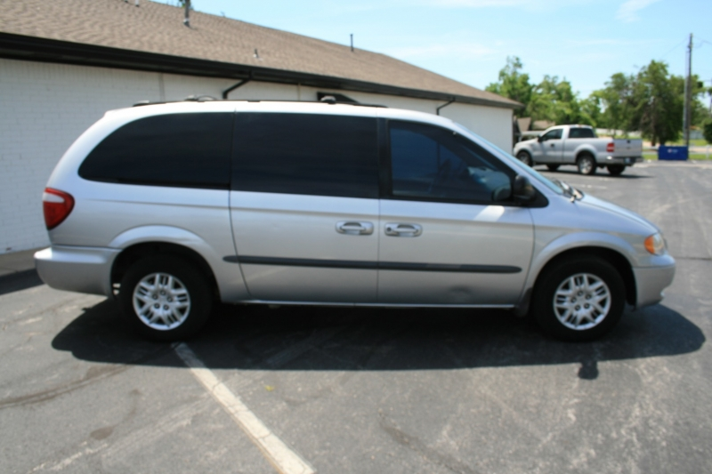 Dodge Caravan 2002 price $3,450 Cash
