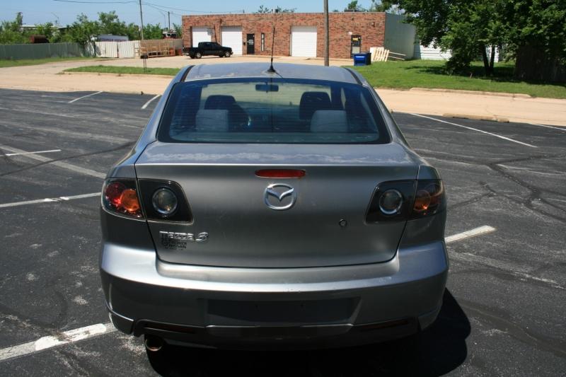 Mazda Mazda3 2006 price $3,450 Cash