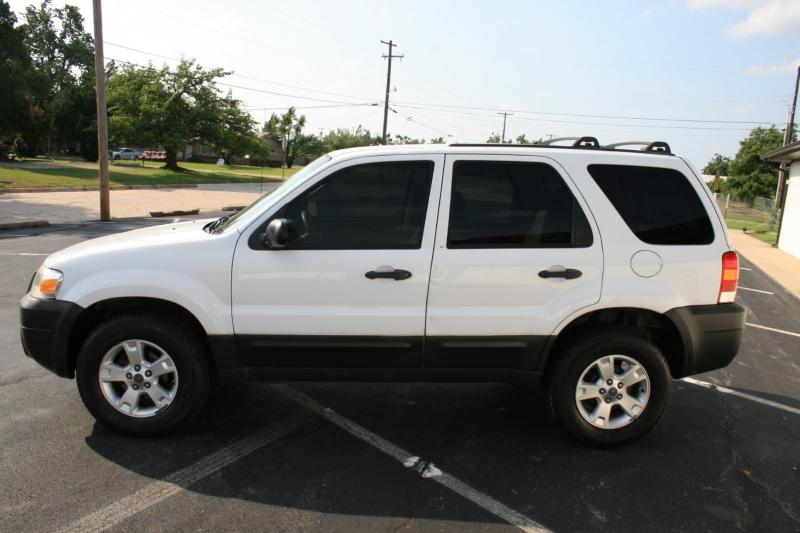 Ford Escape 2007 price $4,995 Cash