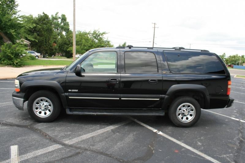 Chevrolet Suburban 2000 price $3,850 Cash