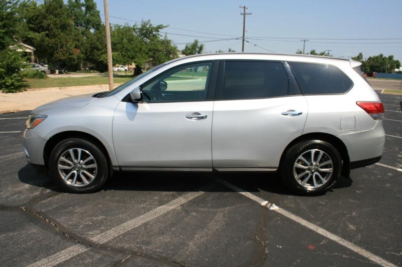Nissan Pathfinder 2013 price $9,950 Cash