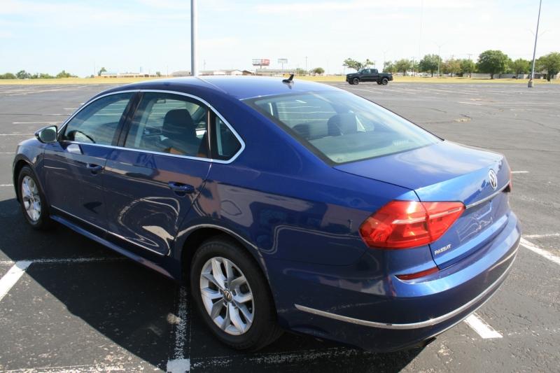 Volkswagen Passat 2016 price $9,950 Cash
