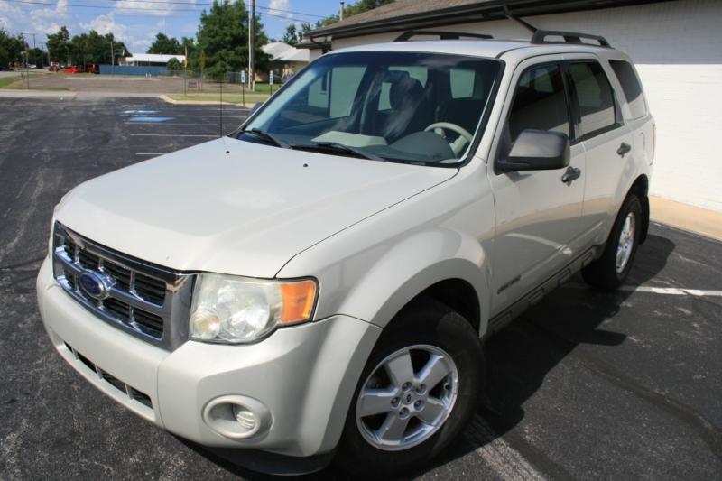 Ford Escape 2008 price $5,250 Cash