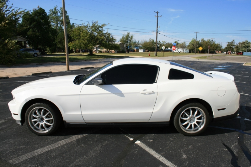 Ford Mustang 2012 price $9,350 Cash