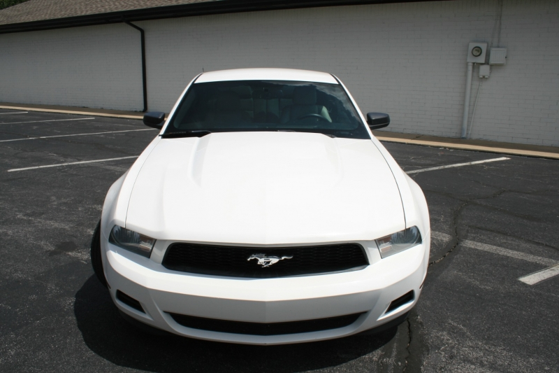 Ford Mustang 2012 price $9,950 Cash
