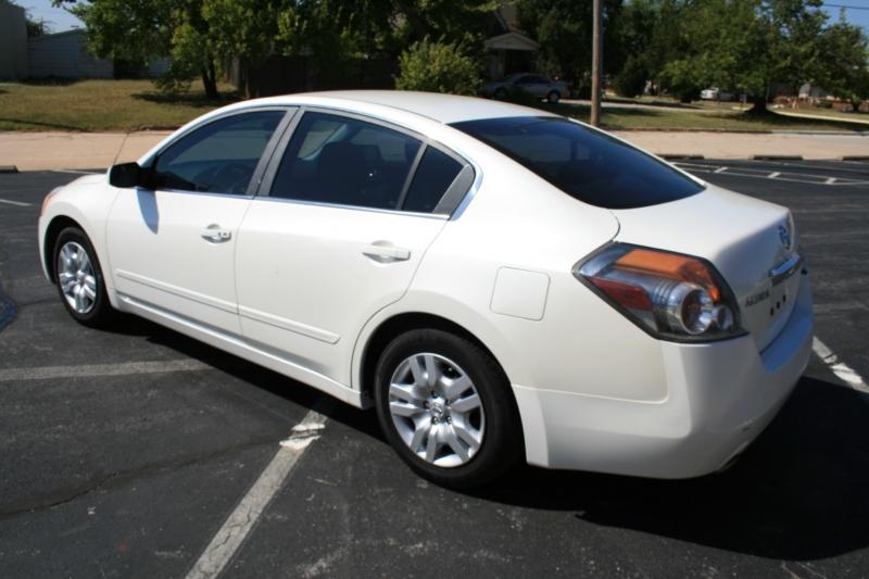 Nissan Altima 2010 price $5,450 Cash
