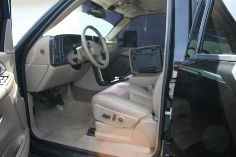GMC Yukon XL Denali 2005 price $13,750 Cash