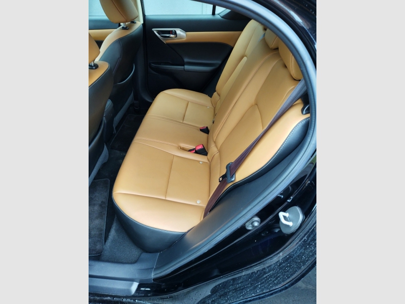 Lexus CT 200h 2015 price $14,488