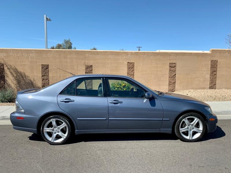 Lexus IS 300 2005 price $7,500
