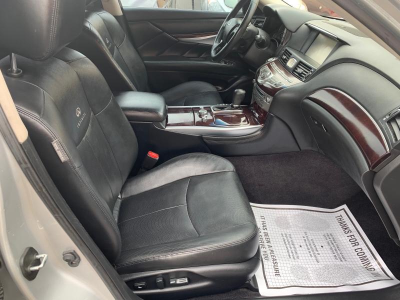 Infiniti Q70 2014 price $12,950