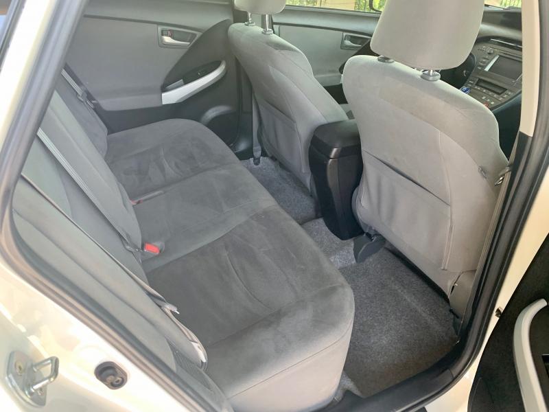 Toyota Prius 2013 price $8,950