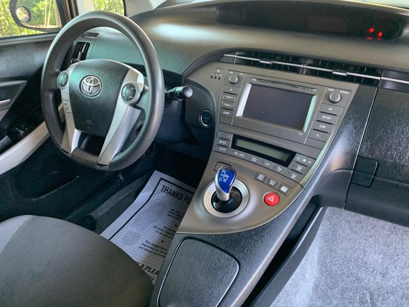 Toyota Prius 2014 price $6,950