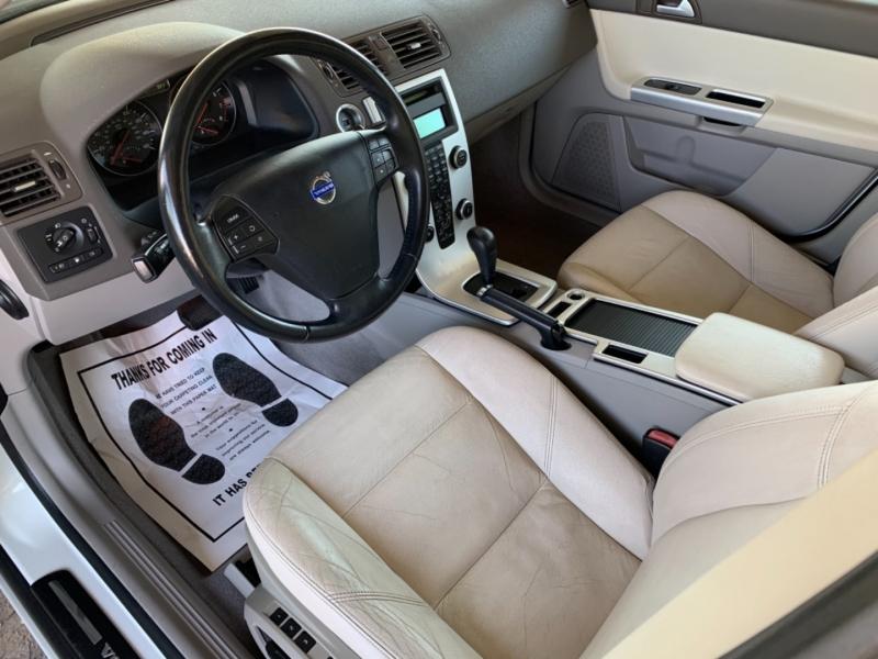 Volvo S 40 2011 price $9,500