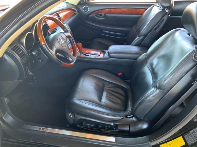 Lexus SC 430 2003 price $12,500