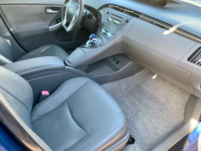 Toyota Prius 2010 price $9,500
