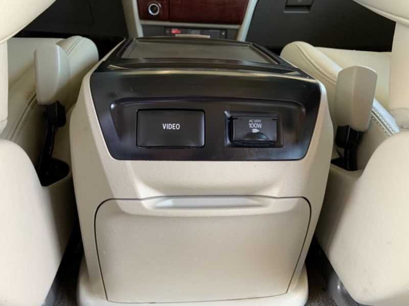 Toyota Sienna 2013 price $13,950
