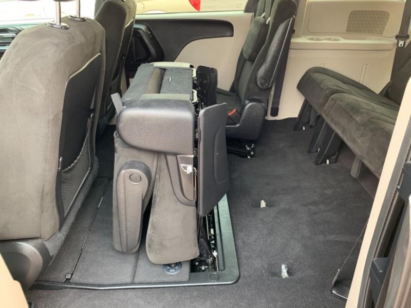 Dodge Grand Caravan 2016 price $15,950