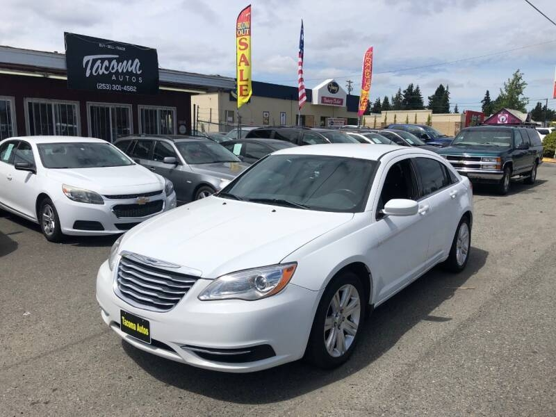 Chrysler 200 2011 price $5,490