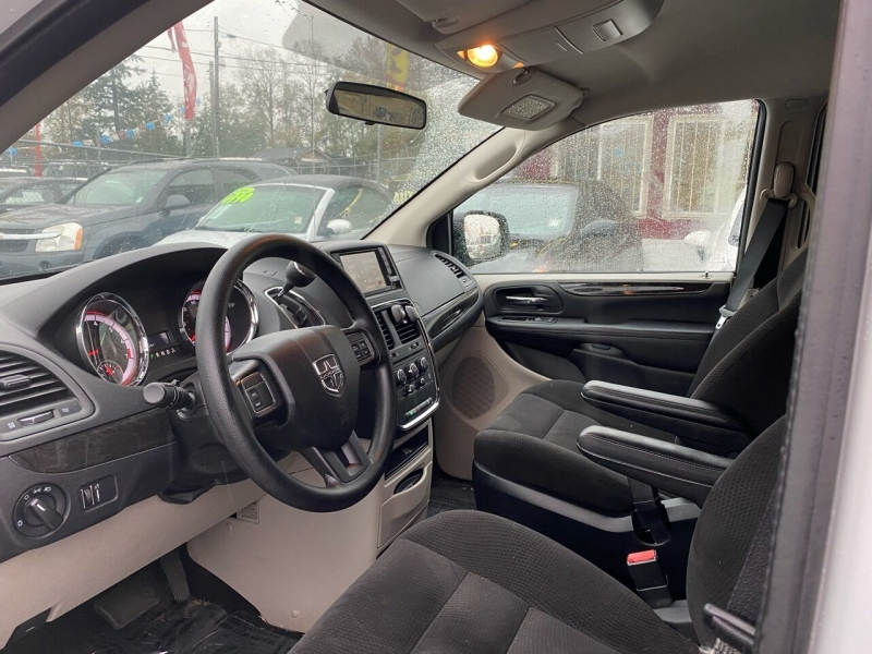 Dodge Grand Caravan 2016 price $7,990