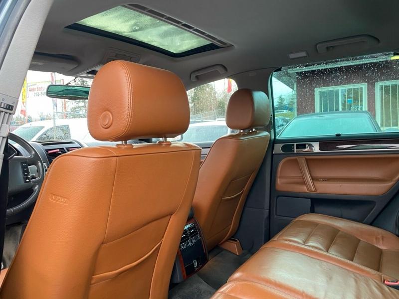 Volkswagen Touareg 2005 price $4,990