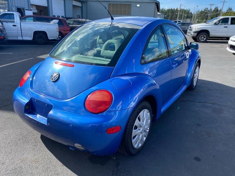 Volkswagen New Beetle 2001 price $2,990