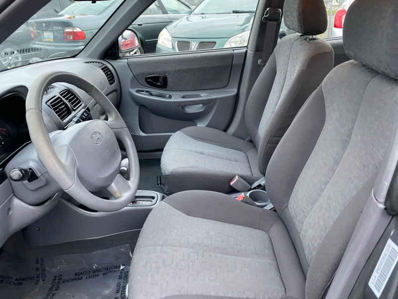 Hyundai Accent 2005 price $2,990