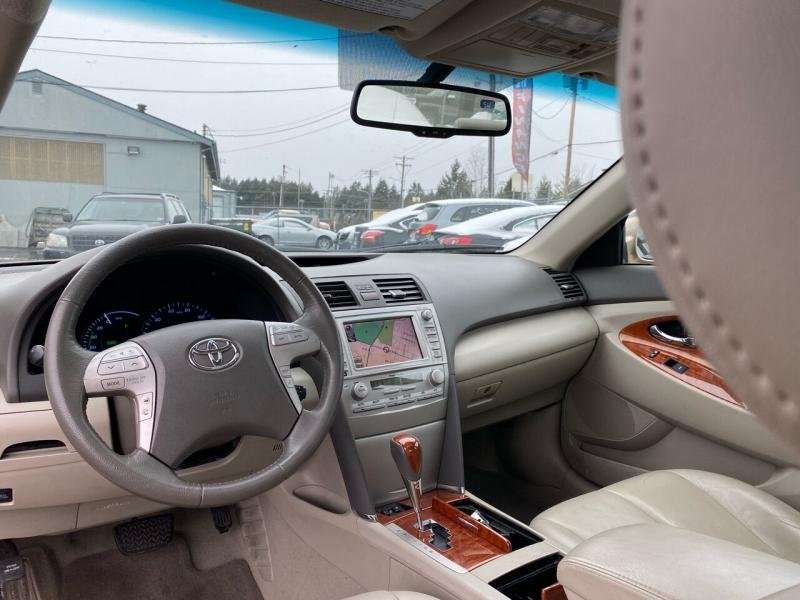 Toyota Camry Hybrid 2011 price $6,990