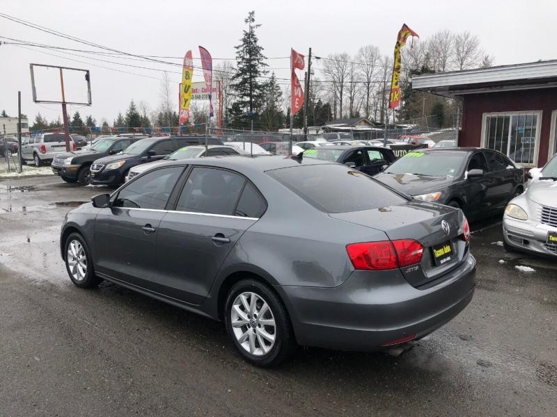 Volkswagen Jetta 2014 price $3,990