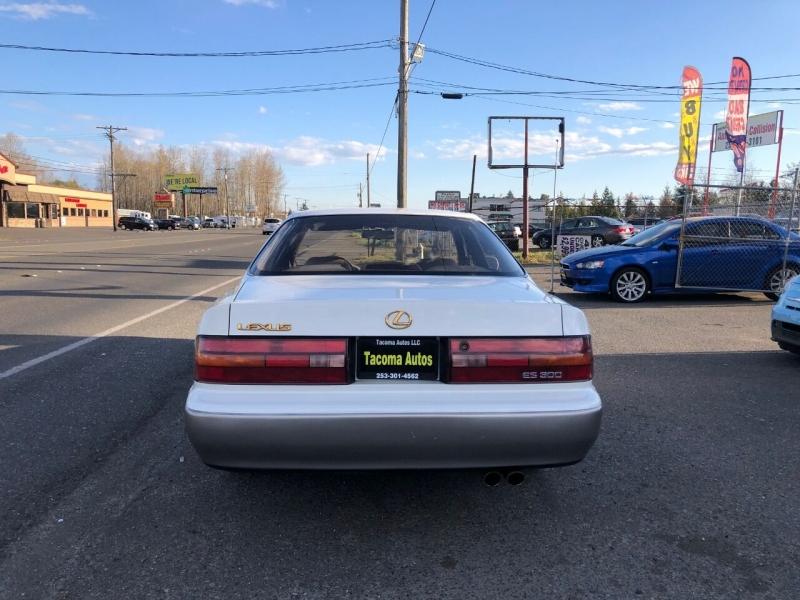 Lexus ES 300 1994 price $2,990