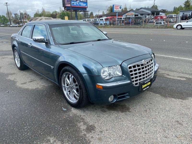 Chrysler 300 2005 price $5,990