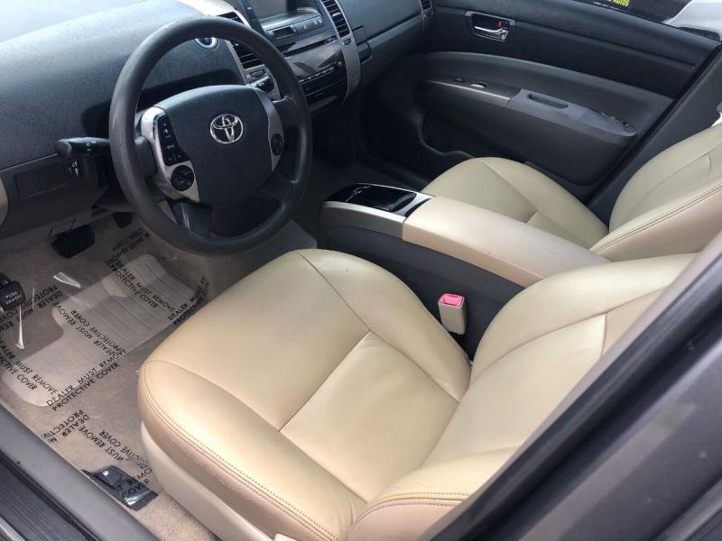 Toyota Prius 2009 price $4,990