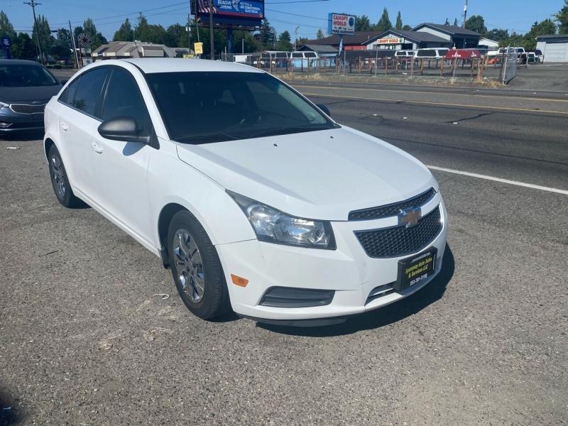 Chevrolet Cruze 2012 price $5,990