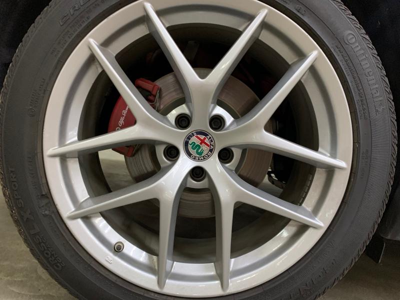 Alfa Romeo Stelvio Ti AWD 2018 price $29,000