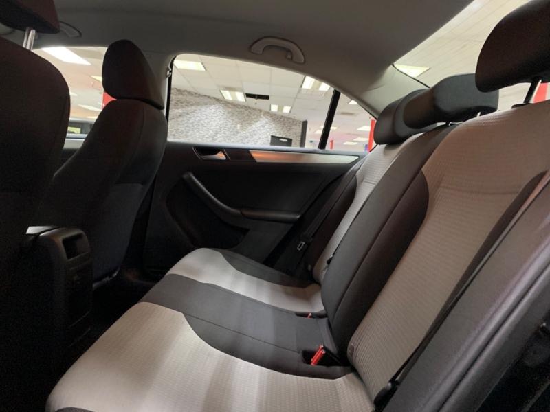 Volkswagen Jetta 1.4T S 2017 price $11,300