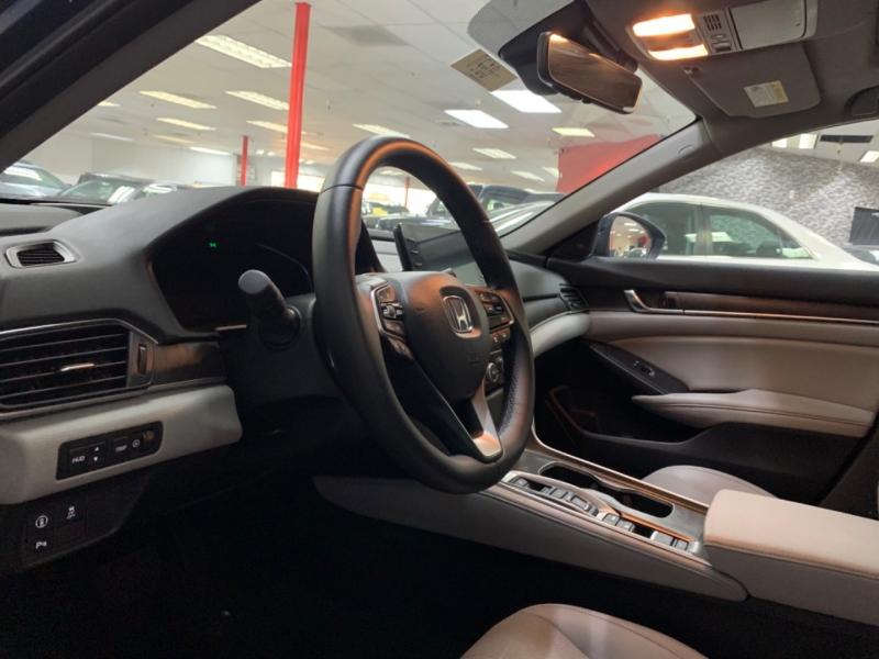Honda Accord Hybrid Touring 2020 price $31,900